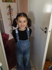 Naomi com 7 anos