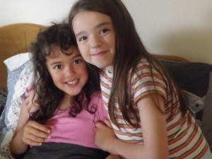 Amy sua irma mais velha e melhora amiga.