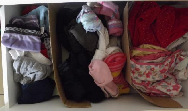 gavetas de calcinhas, cuecas e meias.. já bem vazia depois da organizada.